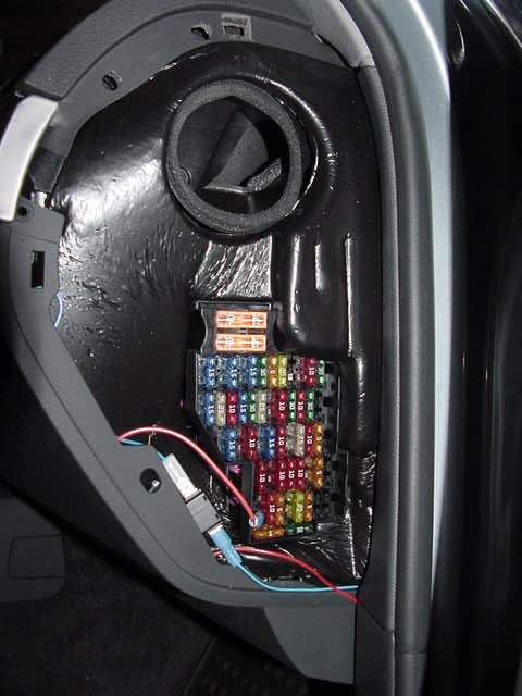 passfuses vwvortex com need help, picture of the passenger fuse panel 2005 Volkswagen Touareg Interior at bakdesigns.co